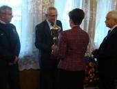 Wręczenie pucharu laureatom konkursu